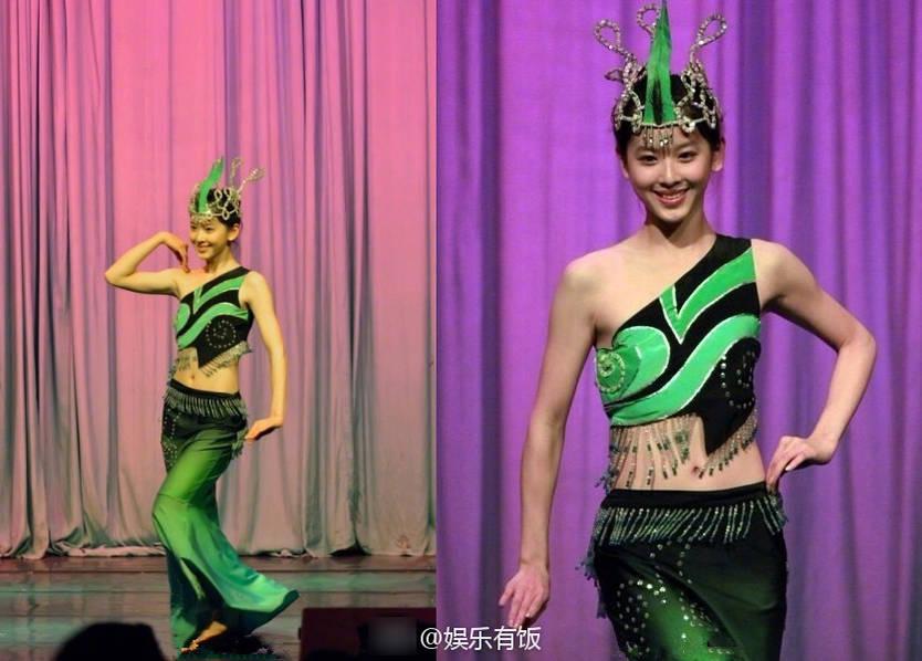 章泽天清华跳舞旧照曝光 着装清凉扭动水蛇腰